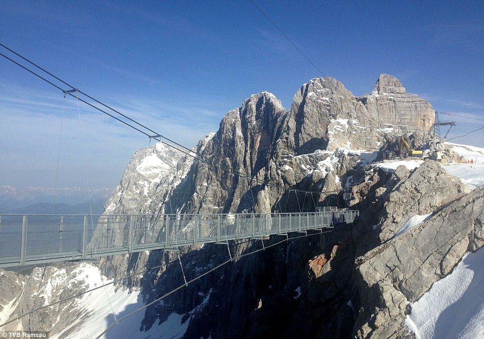 dachstein-suspension-bridge-1.jpg