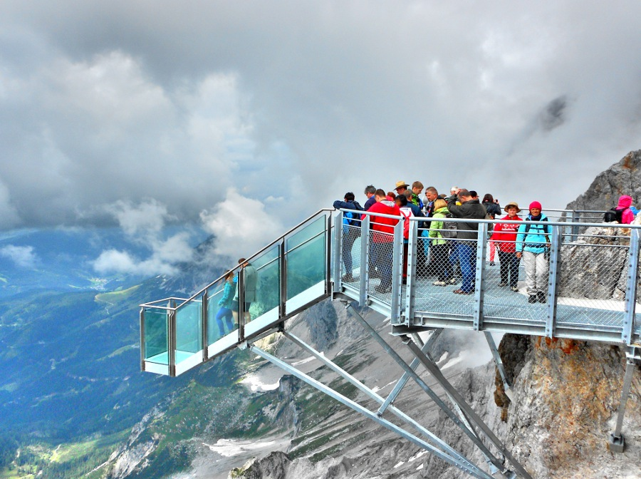 dachstein-suspension-bridge-2.jpg